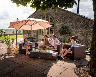 Ascot 2 Seater Rattan Garden Sofa Set in Chocolate and Cream