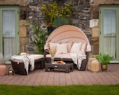 Venice Rattan Garden Day Bed in Chocolate Mix and Coffee Cream