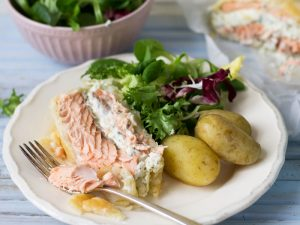 Salmon en croute for a fresh and flavourful outdoor lunch