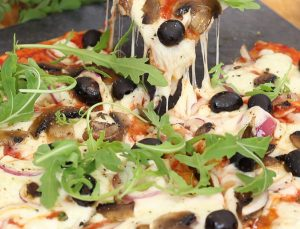 How to make BBQ pizza