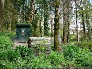 Garden compost turns garden waste into good soil - make your own!